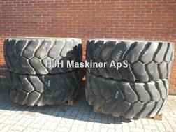 Michelin 23.5R25 XLD D136