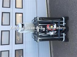 Divers AB Vandtank med Honda motor og slange