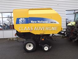 New Holland PRESSE BR 740
