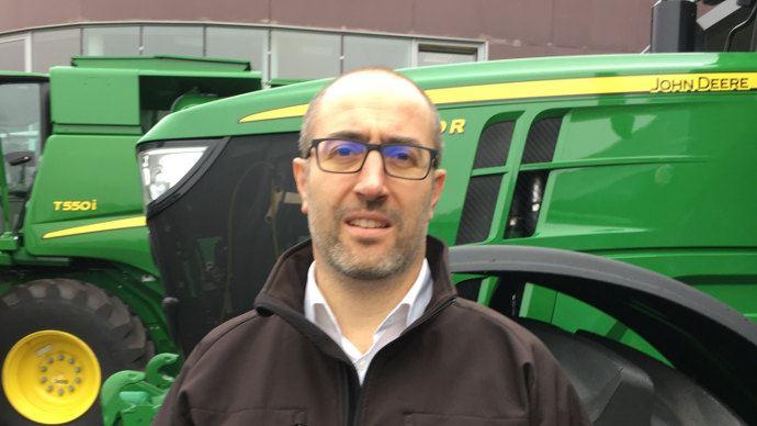 Conseil d'achat tracteur (1/3) - John Deere: «Choisir le freinage pneumatique pour plus de performances»