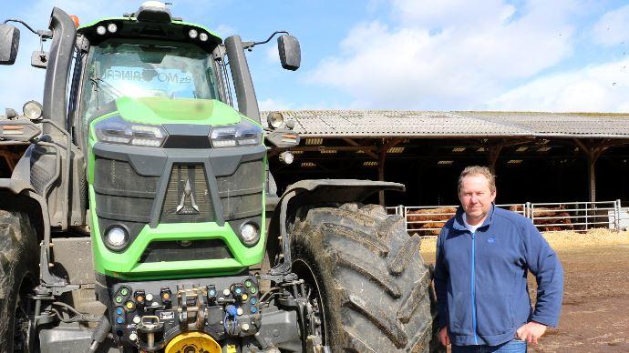 [Reportage] Deutz Fahr série 9 - J-P Godeau: «340ch dans un élevage, un choix étonnant mais pas un luxe! »