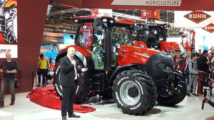 [Vidéo] Première mondiale au Sima - Case-IH Versum CVXDrive, le haut de gamme des tracteurs compacts