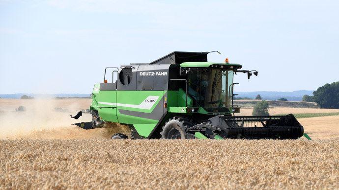 Moissonneuse-batteuse Deutz-Fahr C5305 - Un petit gabarit pour une récolte autonome dès 100 hectares