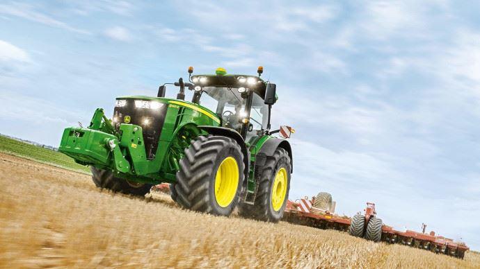 John Deere - La nouvellesérie 8R dévoilée à Agritechnica?