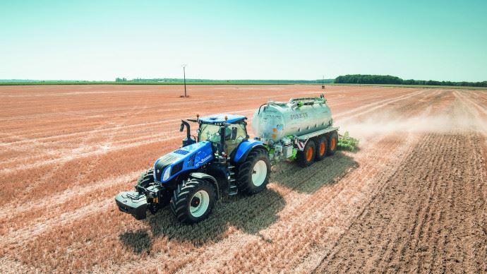 Tracteur New Holland - T8 Genesis: puissance et connectivité pour toujours plus de productivité !