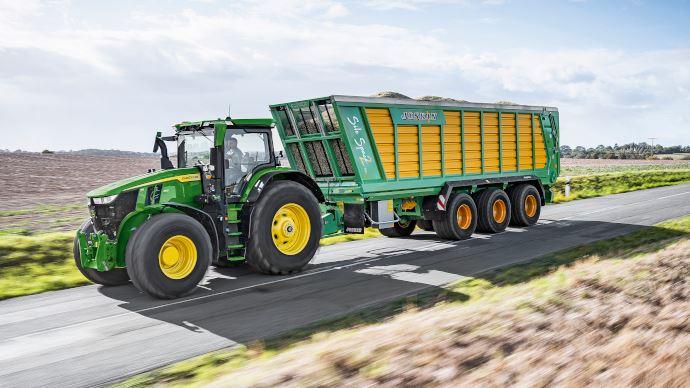 Tracteur John Deere - 7R 350: le nouvel athlète de lasérie 7R affiche 388ch pour 11,4t seulement!