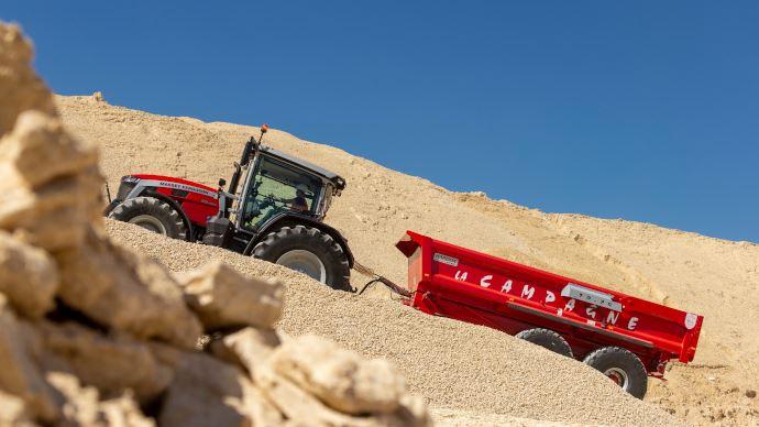 Nouveau tracteur - MF 8S: la nouvellegénération Massey Ferguson vient d'atterrir sur terre!