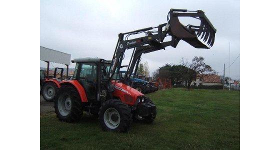 La cote agricole d'occasion tracteur - Massey Ferguson 5445, capable de soulever des montagnes ... de ballots