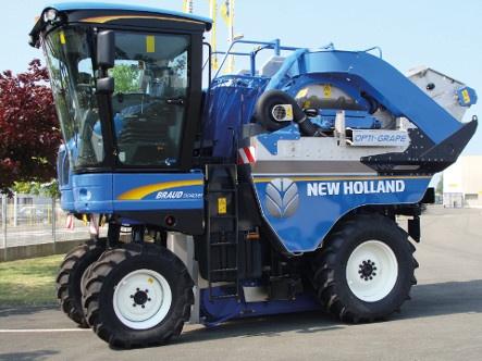Machine à vendanger New Holland Braud 9040 M équipée du système Opti-Grape