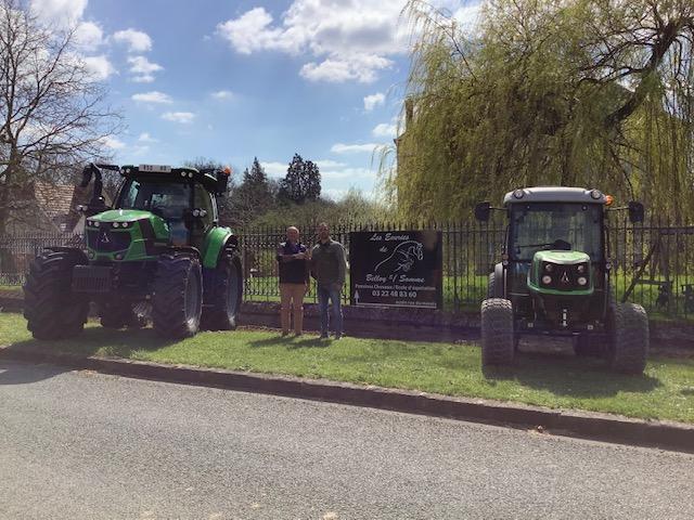 A Domart : Livraison de 2 tracteurs DEUTZ-FAHR