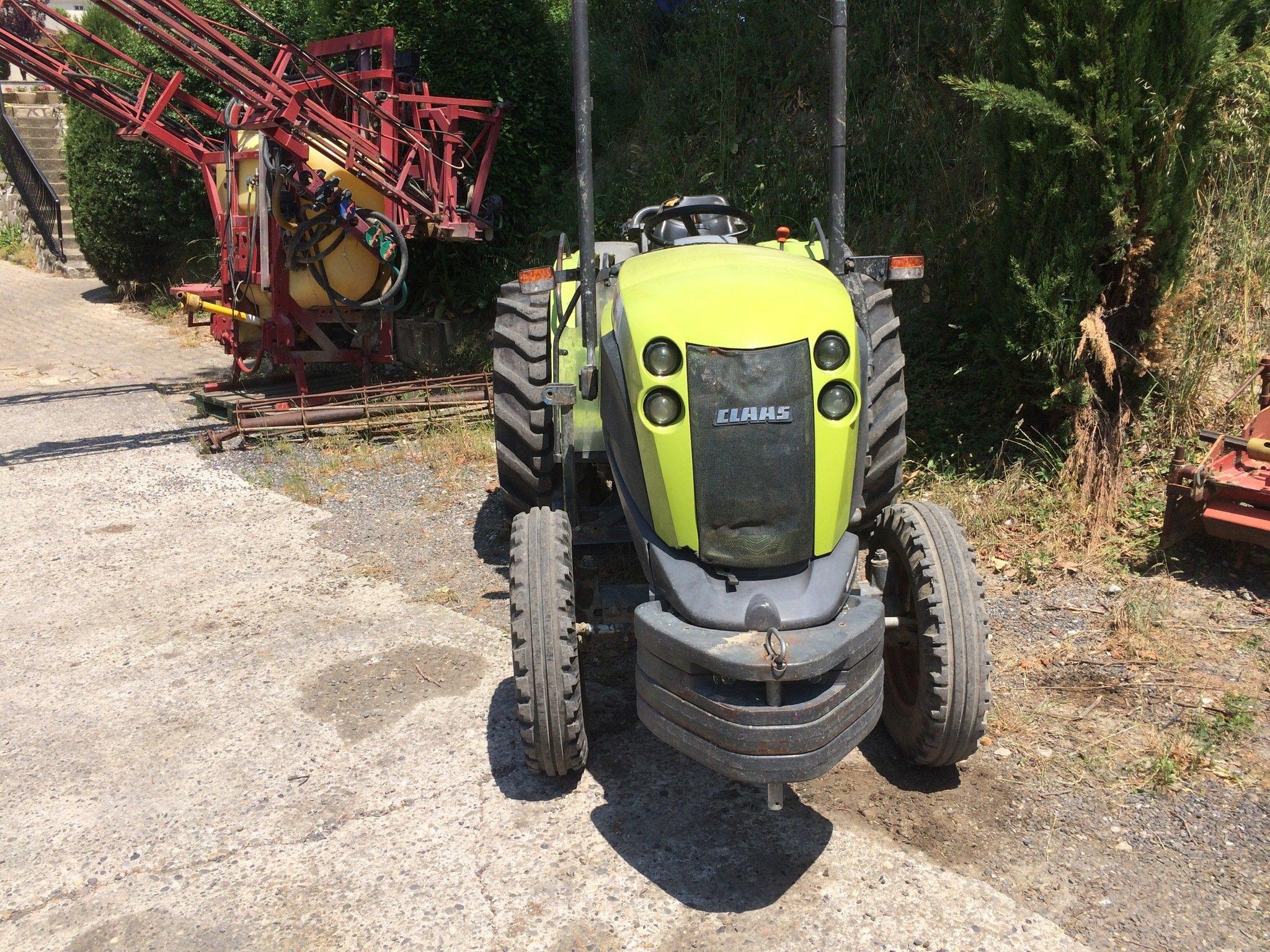 Tracteur fruitier 227 vl Claas